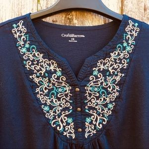 Croft & Barrow Navy Blue Knit Top w/ Embroidery